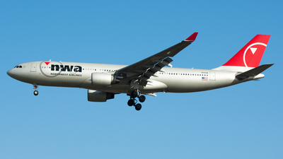 N856NW - Airbus A330-223 - Northwest Airlines