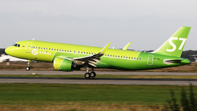 A picture of VPBVI - Airbus A320271N - S7 Airlines - © Airyura