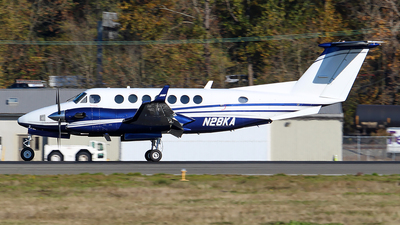 N28KA - Beechcraft 300 Super King Air - Private