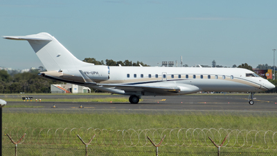 VH-UPH - Bombardier BD-700-1A10 Global Express XRS - Private