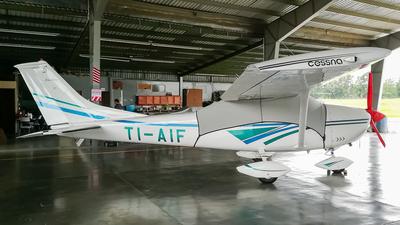 TI-AIF - Cessna 182Q Skylane II - Private