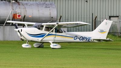 A picture of GOPYE - Cessna 172S Skyhawk SP - [172S8059] - © David Cook