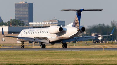 A picture of N12172 - Embraer ERJ145XR - United Airlines - © Andrew Wu
