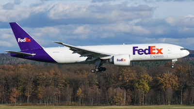 A picture of N852FD - Boeing 777FS2 - FedEx - © Noah thespotter