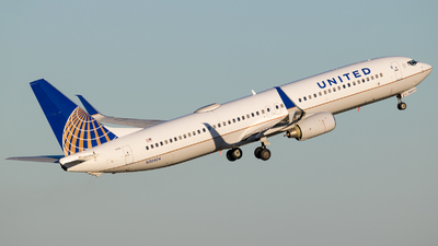 A picture of N32404 - Boeing 737924 - United Airlines - © Positive Rate Photography