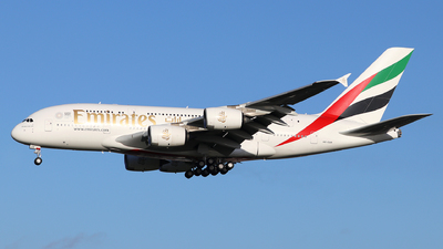 A picture of A6EUR - Airbus A380842 - Emirates - © Dave Potter