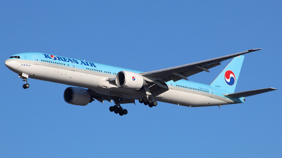 HL8217 - Boeing 777-3B5ER - Korean Air