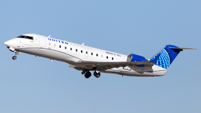 A picture of N809CA - Mitsubishi CRJ200LR - United Airlines - © HA-KLS