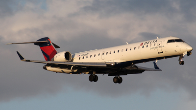 N723EV - Bombardier CRJ-701 - Delta Connection (ExpressJet Airlines)