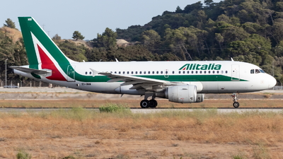 A picture of EIIMW - Airbus A319112 - Alitalia - © Marco Materlik