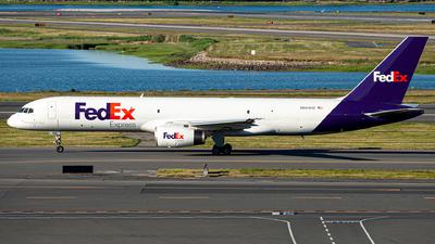 A picture of N944FD - Boeing 7572G5(SF) - FedEx - © OCFLT_OMGcat