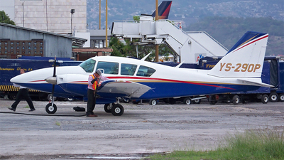 YS-290P - Piper PA-23-250 Aztec E - Private