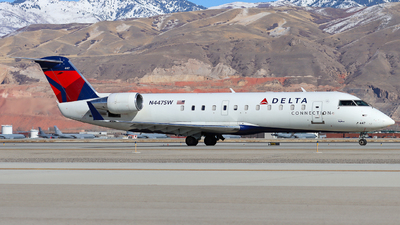 A picture of N447SW - Mitsubishi CRJ200LR - [7677] - © Ethan Peters