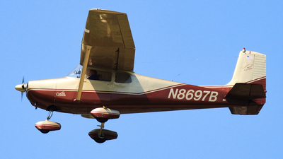 N8697B - Cessna 172 Skyhawk - Private