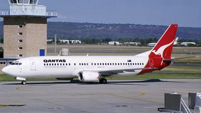 VH-TJL - Boeing 737-476 - Qantas