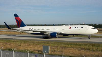 N175DN - Boeing 767-332(ER) - Delta Air Lines