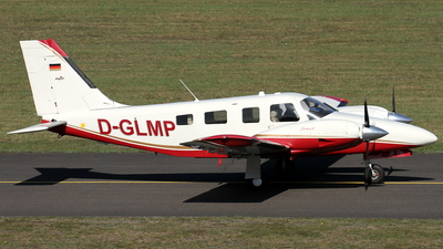 D-GLMP - Piper PA-34-220T Seneca V - Private