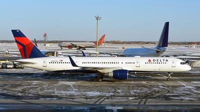 N710TW - Boeing 757-2Q8 - Delta Air Lines