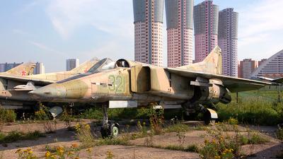 321 - Mikoyan-Gurevich MiG-23MF Flogger B - Russia - Air Force