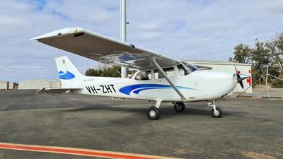 A picture of VHZHT - Cessna 172S Skyhawk SP - [172S12323] - © LIU ZF