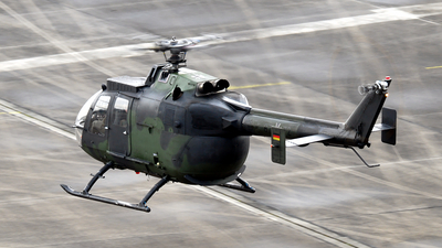 87-72 - MBB Bo105P1 - Germany - Army