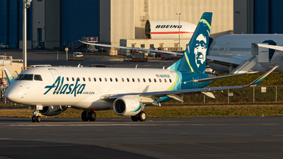 A picture of N646QX - Embraer E175LR - Alaska Airlines - © Russell Hill