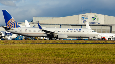 A picture of N77525 - Boeing 737824 - United Airlines - © RAFAEL FERNANDEZ ABARCA