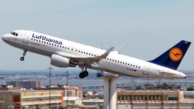 A picture of DAIUR - Airbus A320214 - Lufthansa - © Rui Sequeira
