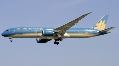 A picture of VNA869 - Boeing 7879 Dreamliner - Vietnam Airlines - © Tan Nguyen - SFAP