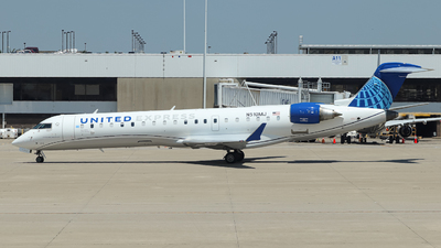 A picture of N510MJ - Mitsubishi CRJ701ER - United Airlines - © Kass Betas