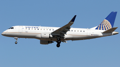 A picture of N205SY - Embraer E175LR - United Airlines - © AviaStar Photography