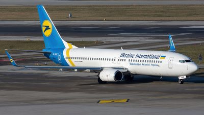 UR-PSZ - Boeing 737-86N - Ukraine International Airlines