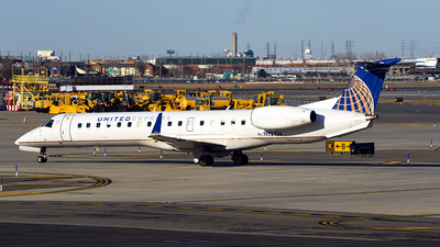 A picture of N12136 - Embraer ERJ145XR - United Airlines - © Rocky Wang