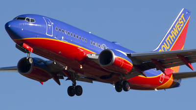 N285WN - Boeing 737-7H4 - Southwest Airlines