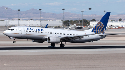 A picture of N35204 - Boeing 737824 - United Airlines - © Yixin Chen