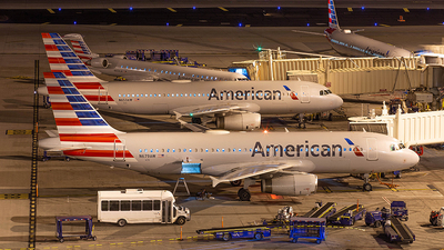 N679AW - Airbus A320-232 - American Airlines