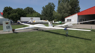 D-4490 - Schempp-Hirth Ventus - Private