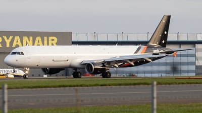 A picture of GNIKO - Airbus A321211(P2F) - Titan Airways - © John Ballantyne