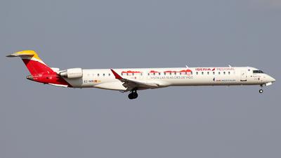 A picture of ECMRI - Mitsubishi CRJ1000 - Iberia - © Alberto Cucini