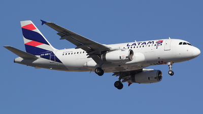 A picture of PRMBV - Airbus A319132 - LATAM Airlines - © TLBorges