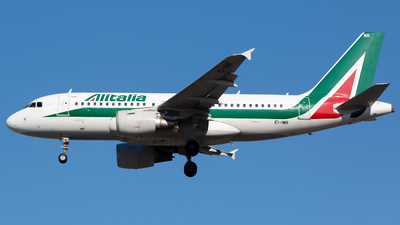 A picture of EIIMR - Airbus A319111 - [4875] - © Chris Pitchacaren
