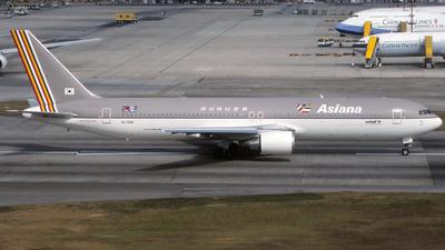 HL7268 - Boeing 767-38E(ER) - Asiana Airlines