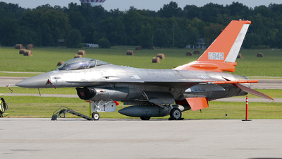 82-0942 - General Dynamics QF-16A Fighting Falcon - United States - US Air Force (USAF)