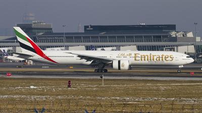 A6-EGC - Boeing 777-31HER - Emirates