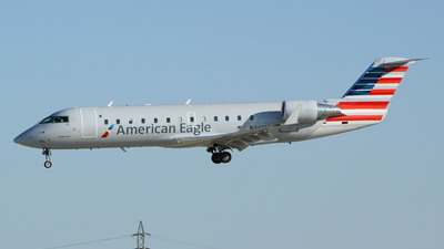 A picture of N461AW - Bombardier CRJ200LR - United Airlines - © DJ Reed - OPShots Photo Team