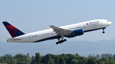 N866DA - Boeing 777-232(ER) - Delta Air Lines