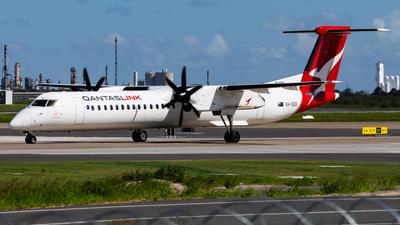 A picture of VHQOX - De Havilland Canada Dash 8400 - QantasLink - © Brandon Giacomin