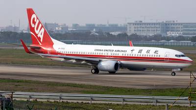 A picture of B7372 - Boeing 73789P - China United Airlines - © XPHNGB