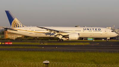 A picture of N35953 - Boeing 7879 Dreamliner - United Airlines - © Annette