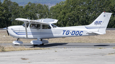TG-DOC - Cessna 172S Skyhawk SP - Private